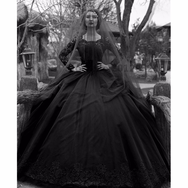 Vintage Black Gothic Wedding Dresses Long Sleeves Beads Lace Jewel Neck Gowns Non White Robe
