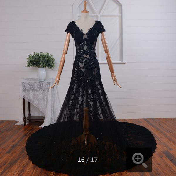 winter Amazing black lace appliques short sleeve backless wedding dresses chapel train sexy luxury elegant wedding gowns C87