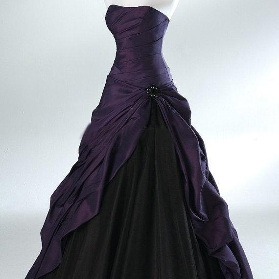 Robe De Mariage Halloween Ball Gown Backless Strapless Distinctive Bridal Skirt Gothic Purple And Black Wedding Dresses C98