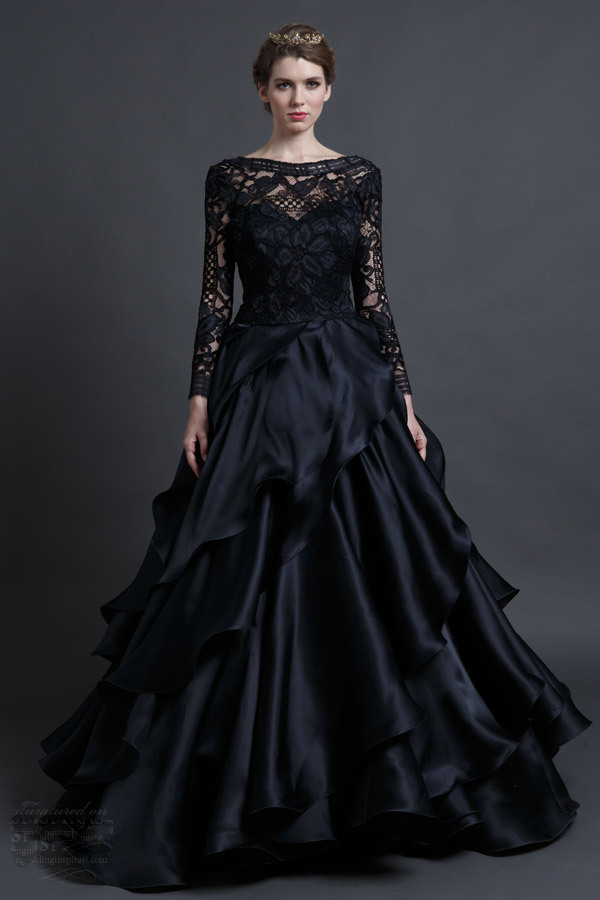 Gorgeous Long Sleeve Lace Gothic Black Wedding Dresses Elegant